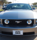 ford mustang 2009 lt  gray coupe gt deluxe gasoline 8 cylinders rear wheel drive automatic with overdrive 76018