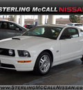 ford mustang 2008 white coupe gt premium gasoline 8 cylinders rear wheel drive automatic with overdrive 77477