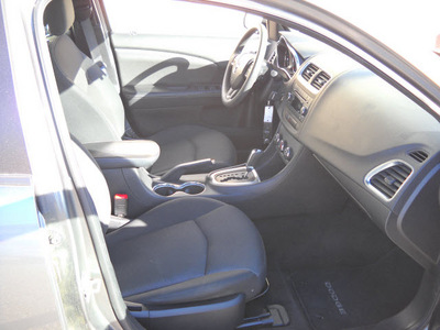 dodge avenger 2012 gray sedan se 4 cylinders automatic 79925