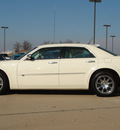 chrysler 300c 2008 off white sedan gasoline 8 cylinders rear wheel drive automatic 62034