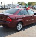 ford focus 2007 dk  red sedan zx4 se gasoline 4 cylinders front wheel drive automatic 77008