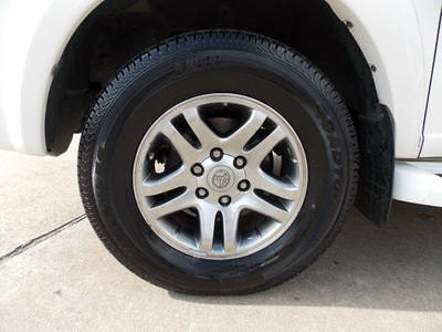 toyota sequoia 2005 white suv limited gasoline 8 cylinders rear wheel drive automatic 77074