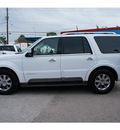 lincoln navigator 2004 white suv luxury gasoline 8 cylinders rear wheel drive automatic 77018