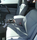 toyota highlander 2012 white suv limited gasoline 6 cylinders front wheel drive automatic 75503
