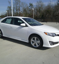 toyota camry 2012 white sedan se gasoline 4 cylinders front wheel drive automatic 75569