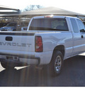 chevrolet silverado 1500 2005 white pickup truck work truck gasoline 6 cylinders rear wheel drive automatic 76401