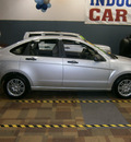 ford focus 2009 silver sedan se 4 cylinders automatic with overdrive 13502