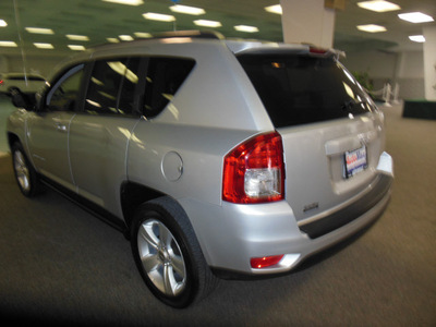 jeep compass 2012 white suv sport gasoline 4 cylinders 2 wheel drive automatic 34474