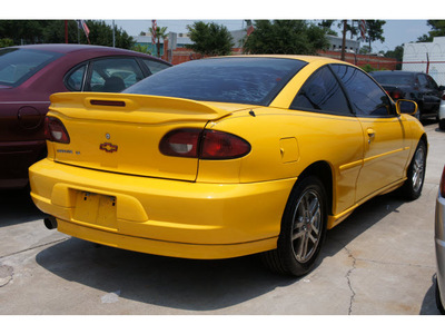 chevrolet cavalier 2002 yellow coupe ls sport gasoline 4 cylinders front wheel drive automatic 77018