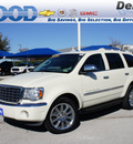 chrysler aspen 2007 white suv limited gasoline 8 cylinders rear wheel drive 5 speed automatic 76210