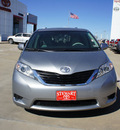 toyota sienna 2013 silver van le 8 passenger gasoline 6 cylinders front wheel drive automatic 75110