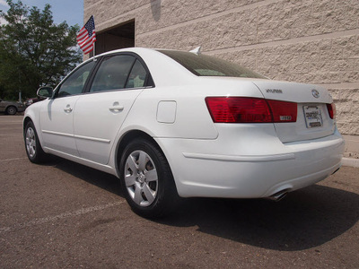 hyundai sonata 2009 white sedan gls v6 gasoline 6 cylinders front wheel drive shiftable automatic 80504