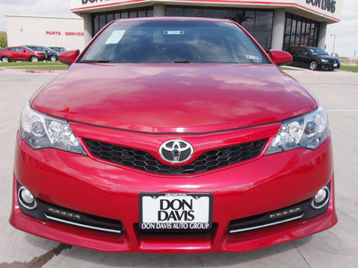 toyota camry 2012 red sedan se sport limited edition gasoline 4 cylinders front wheel drive automatic 76011