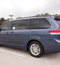 toyota sienna 2013 dk  blue van xle 8 passenger gasoline 6 cylinders front wheel drive automatic 76011