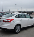 ford focus 2013 off white sedan titanium flex fuel 4 cylinders front wheel drive automatic 76205