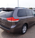 toyota sienna 2013 gray van le 8 passenger gasoline 6 cylinders front wheel drive automatic 76087