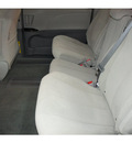 toyota sienna 2013 white van le 8 passenger gasoline 6 cylinders front wheel drive automatic 91731