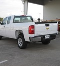 chevrolet silverado 1500 2013 white work truck gasoline 8 cylinders 2 wheel drive automatic 77503