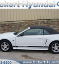 ford mustang 2004 white deluxe 6 cylinders automatic 76210