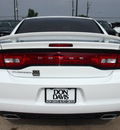 dodge charger 2013 white sedan se gasoline 6 cylinders rear wheel drive automatic 76011