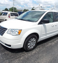 chrysler town and country 2009 white van lx flex fuel 6 cylinders front wheel drive automatic 14224