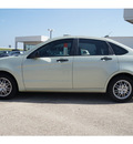 ford focus 2011 green sedan se gasoline 4 cylinders front wheel drive automatic 76502