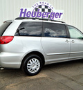 toyota sienna 2006 silver shadow van le 7 passenger gasoline 6 cylinders front wheel drive automatic 80905