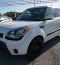 kia soul 2012 white hatchback gasoline 4 cylinders front wheel drive automatic with overdrive 77539