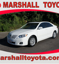 toyota camry 2011 white sedan xle gasoline 4 cylinders front wheel drive automatic 75672
