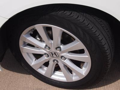 honda civic 2012 white sedan ex gasoline 4 cylinders front wheel drive automatic 78232