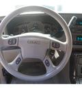 gmc yukon xl 2004 silver suv denali gasoline 8 cylinders all whee drive automatic 27569