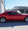 dodge challenger 2013 maroon coupe sxt flex fuel 6 cylinders rear wheel drive automatic 76011