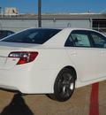 toyota camry 2014 white sedan se 4 cylinders automatic 76053