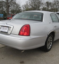 lincoln town car 2002 silver sedan signature gasoline 8 cylinders rear wheel drive automatic with overdrive 77379