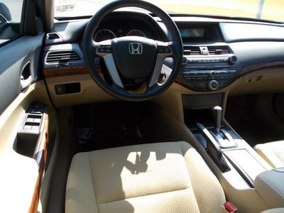 honda accord 2011 white sedan ex v6 gasoline 6 cylinders front wheel drive automatic 75606